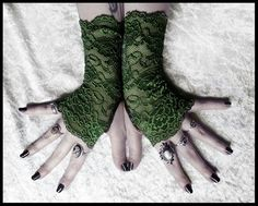 Hey, I found this really awesome Etsy listing at https://www.etsy.com/listing/100499306/arwen-lace-fingerless-gloves-deep-fern