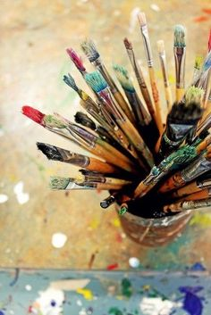 Great photograph for painting inspiration. Atelier D Art, Art Plastique, Paint Brushes, Belle Photo, Art Studios, Love Art, Oeuvre D'art, Artsy Fartsy, Art Supplies