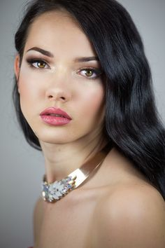Neutral evening soft smokey look using brown eyeshadows. My model Justyna
