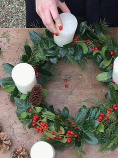DIYnstag: 10 kreative DIY-Ideen für Adventskränze   SoLebIch.de #solebich #wohnen #einrichten #einrichtung #wohnideen #inspiration #dekoration #deko #adventskranz #advent #weihnachten #Weihnachtsdeko #weihnachtszeit