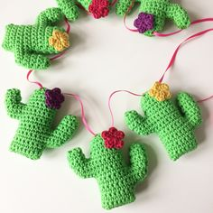 Ravelry: Cactus Keyring and Bunting pattern by Sarah-Jane Hicks Bunting Pattern, Crochet Bunting, Crochet Garland, Baby Blanket Crochet, Crochet Cactus, Crochet Flowers, Crochet Home, Cute Crochet, Crochet Designs