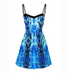 Une robe Oora pour celles qui ont des gros seins