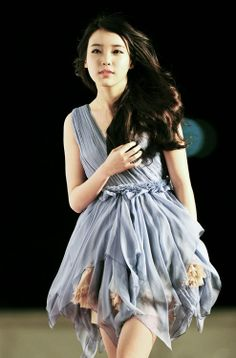 Lee Ji-Eun (IU) This dress is too adorable <3