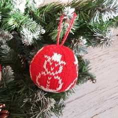 """*************** Christmas Ball🎄 """"Snowman"""" ☃ ∅ ~ 7.5 cm 100% cotton, stuffing - hollow fiber - 🔸Doesn't break 🔸Light ⚖ 🔸Easy to store 🔸Can be washed - Perfect choice👌 for Christmas-tree decoration in a house with young children 👶👦👧 _ #christmasball #christmas #christmasgift #елочнаяигрушка #новогоднееукрашение #buychristmasball #vschristmasballs"""
