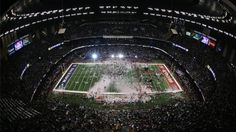 Attend the Super Bowl. I love sports. American football is the number 1 sport in America and I would love to learn more about it and see as many games as I can. I also would love to play hockey in America!!