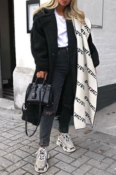 Uploaded by Find images and videos about fashion, outfit and look on We Heart It - the app to get lost in what you love. Cute Lazy Outfits, Casual Fall Outfits, Winter Fashion Outfits, Fashion Clothes, Fashion Fashion, Fashion Women, Fashion Ideas, Summer Outfits, Fashion Tips