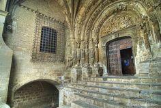 Espectacular vista de la entrada a la Iglesia de San Esteban!