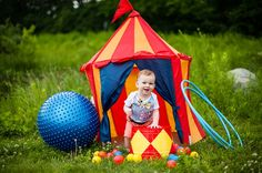 circus theme first birthday shoot