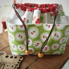 Awesome 20 Sewing tutorials tips are available on our website. Awesome 20 Sewing tutorials tips are available on our website. Take a look and you wont be sorry y Fabric Bags, Fabric Scraps, Sewing Hacks, Sewing Tutorials, Sewing Tips, Bags Sewing, Sewing Projects For Beginners, Knitting Projects, Leftover Fabric