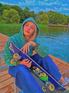 Aesthetic Indie, Aesthetic Images, Aesthetic Fashion, Aesthetic Girl, Skater Girl Outfits, Skater Girls, Fille Indie, Estilo Indie, Indie Girl