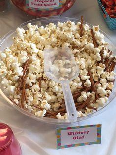 Wintery Olaf (Pretzel sticks, white cheddar popcorn, white cheddar goldfish)