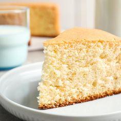 Castella: Το ιαπωνικό κέικ με ελάχιστα υλικά που γίνεται πανεύκολα -Αφράτο και μελένιο | BOVARY Vanilla Cake, Desserts, Food, Tailgate Desserts, Deserts, Essen, Postres, Meals, Dessert