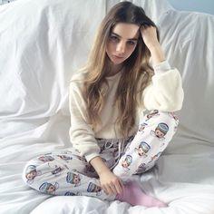 hey I'm Princess Marceline, but you can call me Marcy. I'm 18. I love fashion and fooling around. I'm a model and I like to sing. introduce? (fc: Joanna Kutcha)