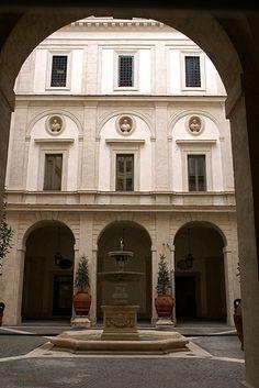 Rome, Piazza Monte di Pietà, Palazzo Monte di Pietà