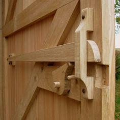 Cerradura de madera