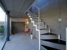 Raw finish Two story apartment building in Tokyo by Spatial Design Japan Apartment, Narrow House Plans, Cool Apartments, Apartment Interior Design, Architecture Design, Building, Modern, Tokyo, Stairs