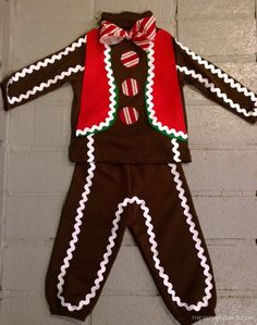 DIY gingerbread man costume best picture for DIY costume videos for your taste .DIY gingerbread man costume Best picture for DIY costume videos for your taste You are looking for something and it will tell Christmas Character Costumes, Costume Christmas, Xmas Costumes, Book Day Costumes, Christmas Characters, Boy Costumes, Ugly Christmas Sweater, Ugly Sweater, Grinch