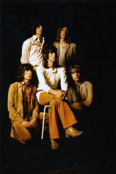 young rolling stones | band portrait | 1960s 1970s | fashion | music | iconic | mick jagger | hot lips | keith richards |