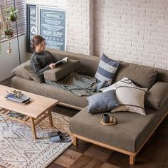 48 Extraordinary Sofa Chair Model Design Ideas For Your Room Sofa Furniture, Sofa Chair, Upholstered Chairs, Rustic Furniture, Furniture Makeover, Furniture Design, Refurbished Furniture, Desk Chair, Outdoor Furniture