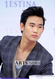 [June 10th 2012] Kim Soo Hyun (김수현) on J.ESTINA Fan Signing Event at Lotte Department Store (Jamsil Branch) #83 #KimSooHyun #SooHyun #JESTINA