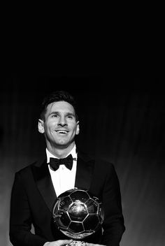 """fcjongin: """" Lionel Messi after winning his Fifth Ballon D'or """" This picture should be framed everywhere Fcb Barcelona, Barcelona Players, Lionel Messi Barcelona, Lionel Messi Wallpapers, Cristiano Ronaldo Wallpapers, Messi Fans, Messi 10, Messi Suit, Messi Childhood"""