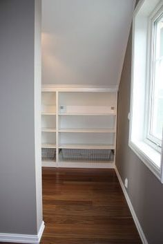 Walk in closet fra soverom. Diy Loft Conversion, Slanted Ceiling Closet, Summer Cabins, Walking Closet, Ikea Pax, My Room, My Dream Home, Master Bedroom, Sweet Home