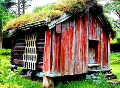 Norwegian Log Cabin |  The post Norwegian Log Cabin appeared first on Woodz.  #wood http://www.woodz.co/norwegian-log-cabin/