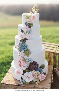 Adorable 99 Simple Pastel Wedding Ideas for a Spring Wedding https://stiliuse.com/99-simple-pastel-wedding-ideas-for-a-spring-wedding #weddingdecoration