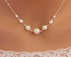 Pearl necklace Bridal wedding jewelry elegant simple by untie. Ss 35.