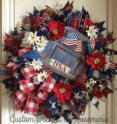 Patriotic Flag Americana Poly Burlap Flower Wreath, July Wreath, Fourth of July Wreath, July - 20 Patriotic Wreath to bring the patriotic fervor on your doorstep - Flag Wreath, Patriotic Wreath, Patriotic Crafts, Diy Wreath, Wreath Ideas, Tulle Wreath, Wreath Making, July Crafts, Fourth Of July Decor