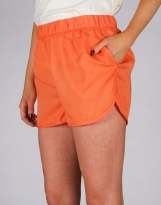 DEDICATED Sandvika Tencel Shorts Coral Fusion, A beautiful short of Dedicated with beautiful orange is waiting for you. Made from Tencel, a sustainable fiber made from sustainable wood, the short i. Shorts Outfits Women, Outfits Casual, Short Outfits, Casual Shorts, Gym Shorts Womens, Fashion Outfits, Modest Shorts, Long Shorts, Summer Shorts