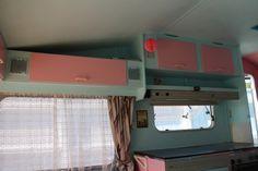 Kjøpte en gammel campingvogn, og pusset den opp :) (tallatroll)