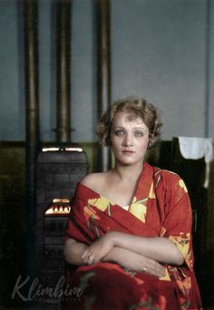 Marlene Dietrich photographed by Emil Orlik, Colorized Vintage Hollywood, Hollywood Glamour, Hollywood Stars, Vintage Vogue, Classic Hollywood, Vintage Fashion, Marlene Dietrich, Rita Hayworth, Divas