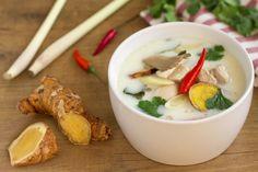 Tom Khai Kai, sopa de pollo, sopa tailandesa, sopa de pollo tailandesa, sopa de pollo con leche de coco, cocina tailandesa
