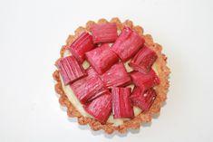 The Cakeaholic: Små rabarbertærter med vaniljecreme