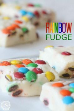 Easy Rainbow Fudge Recipe for St. Easy Treat Recipe for the Office or Class Party for Kids! Holiday Rainbow Treats for Birthday Parties! Dessert Party, Party Desserts, Holiday Desserts, Fudge Recipes, Snack Recipes, Dessert Recipes, Party Recipes, Rainbow Treats, Easy Holiday Recipes