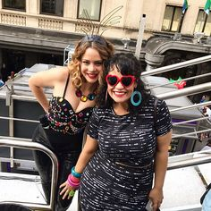 Tá todo mundo aqui! Dá uma olhada nessa galeria de estrelas gente: @tuliparuiz  @eloinadosleopardos  @marciadailyn  @estrelarogeria . É muita emoção! #LeandraLealnaMarieClaire #LeandraLeal na #ParadaSP #ParadaSP #GayPride #OrgulhoLGBT  via MARIE CLAIRE BRASIL MAGAZINE OFFICIAL INSTAGRAM - Celebrity  Fashion  Haute Couture  Advertising  Culture  Beauty  Editorial Photography  Magazine Covers  Supermodels  Runway Models