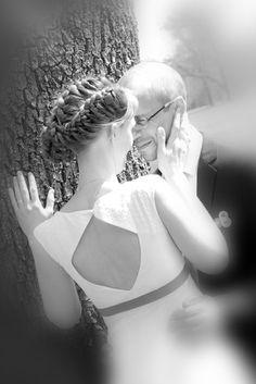 noni - schlichtes Brautkleid mit großem Rückenausschnitt und breiten Trägern (www.noni-mode.de)