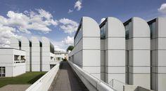 Startbild_Bauhaus-Archiv_Museum-fuer-Gestaltung_c-Bauhaus-Archiv_Foto-Werner-Huthmacher.jpg_1272394746.jpg (1432×793)