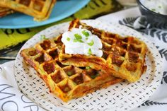 OMG: burgonyapürés gofri cheddar sajttal Waffle Cake, Cheddar, Waffles, Sandwiches, Bakery, Cooking Recipes, Sweets, Snacks, Breakfast