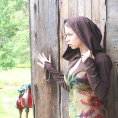 Brown hooded fairy or elven shrug Messenger by Tonyaringdesigns, $45.00