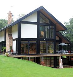 Our English Twist On The Posh Manu0027s Prefab: Glass And Steel Palace Is A  Lovely Piece Of Kit