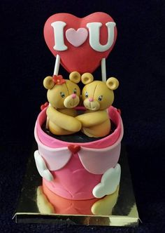 Mini Heart Baloon Teddy Bear Cake