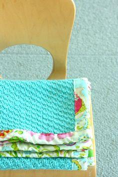 @Tanisha Malcolm Malcolm Malcolm garrett ....love this! crochet / knit blanket with fabric binding