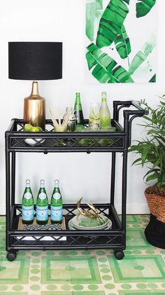 Bar Cart Ideas - There are some cool bar cart ideas which can be used to create a bar cart that suits your space. Having a bar cart offers lots of benefits. This bar cart can be used to turn your empty living room corner into the life of the party. Bar Cart Styling, Bar Cart Decor, Diy Bar, Gold Bar Cart, Black Bar Cart, Outside Bars, Tea Cart, Relax, Bar Furniture