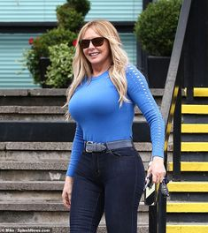 Womens Style Discover Carol Vorderman turns heads as she arrives at BBC radio studios Sexy Older Women, Old Women, Sexy Women, Sexy Jeans, Carol Vordeman, High Waisted Black Jeans, Beauty Full Girl, Most Beautiful Indian Actress, Voluptuous Women
