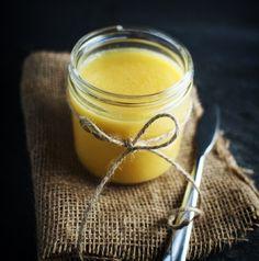 Nájdete tu recept, ako ho vyrobiť, čím ho ochutiť, čo obsahuje, prečo je lepšie ako klasické maslo a jeho blahodárne účinky