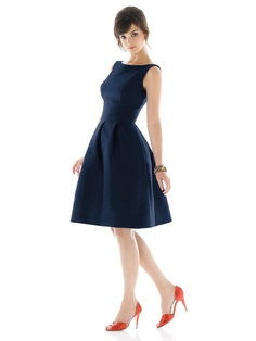Possibly very flattering dress (with pockets!)