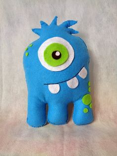 Ambrosial Make a Stuffed Animal Ideas. Fantasting Make a Stuffed Animal Ideas. Sewing Toys, Sewing Crafts, Sewing Projects, Monster Birthday Parties, Monster Party, Monster Dolls, Sock Monster, Softie Pattern, Ugly Dolls