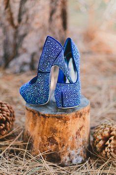 blue platform wedding pumps #goldwedding